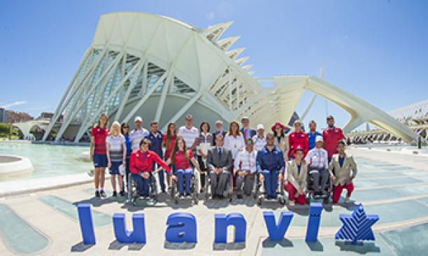 The Spanish Paralympic Committee presented the kit for Rio 2016, designed by the sportswear manufacturer Luanvi.