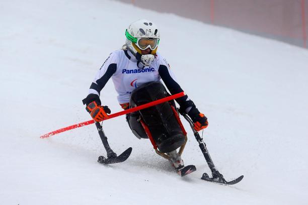 a female Para skier