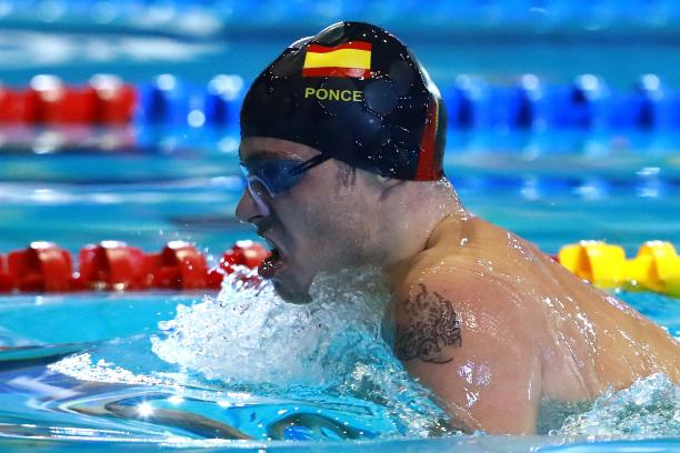 Profile of Spaniard Antoni Ponce while swimming at a competition