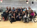 Group of Para dancers and instructors pose for a photo