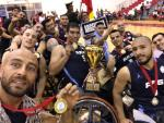 Selfie of Argnetina men's wheelchair basketball team after their gold medal victory